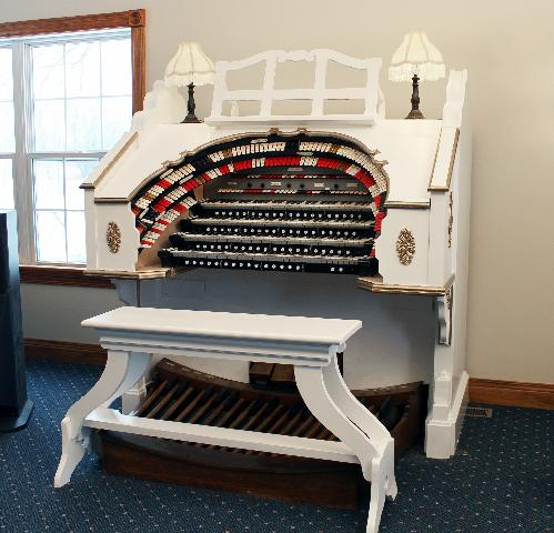 The Theatre Organ Home Page -- All About Theatre Organs and
