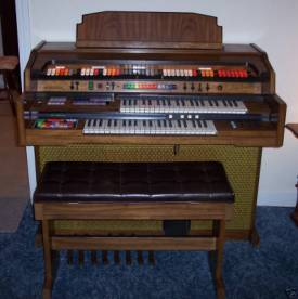 Kimball Swinger 800 Organ