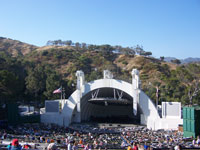 Click here to download a 2576 x 1932 JPG wide angle image of the Hollywood Bowl.