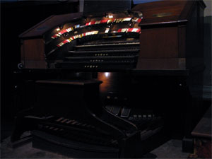 Click here to learn more about the 4/24 Robert Morton/WurliTzer Theatre Pipe Organ installed at the Granada Theatre in Old Town Kern, Bakersfield, California.