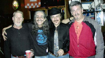 Click here to download a 1011 x 564 JPG image of MOJO at Brackin's Blues Club in Maryville, Tennessee.