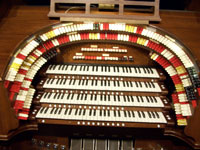 Click here to download a 2576 x 1932 JPG image of the 4/23 Wurlitzer at the Pasadena City College.