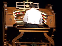 Click here to download a 2576 x 1932 JPG image of Barry Baker at the console of the 4/23 Wurlitzer at the Pasadena City College.