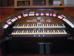 Click here to learn more about the 2/9 Mighty WurliTzer Theatre Pipe Organ installed at Dave Geiger's residence in Columbus, Ohio.