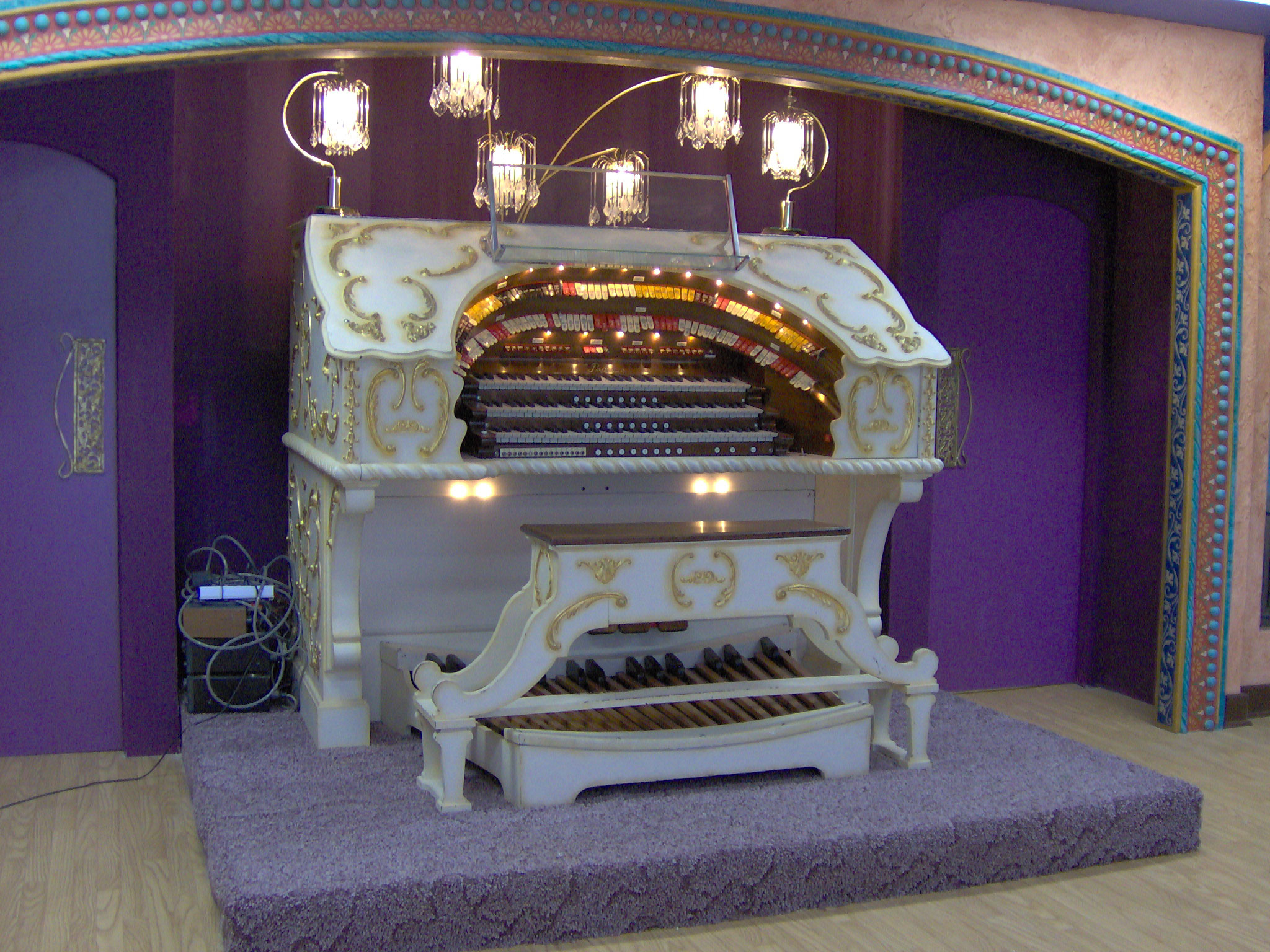 Click here to download a 2048 x 1536 JPG image showing the console of the 3/12 Grande Page Theatre Pipe Organ.