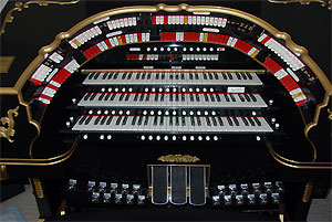 Click here to learn more about the Mighty Allen GW319EX Digital Theatre Organ installed at the residence of Mike Phillips in Chesterfield, Virginia.