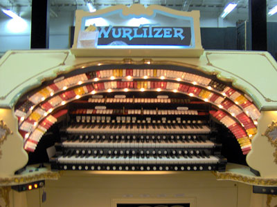 Click here to download a 2048 x 1536 JPG image showing the stop sweep of the 3/18 Mighty WurliTzer Theatre Pipe Organ.