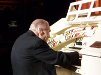 Click here to download a 2576 x 1932 pixel JPG image of Bob Mitchell playing the Orpheum's 3/14 Mighty WurliTzer.