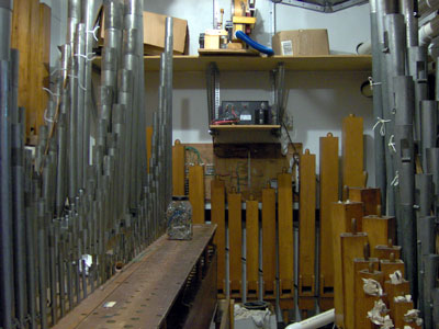 Click here to download a 2038 x 1536 JPG image showing the chamber of the 2/9 Mighty WurliTzer Theatre Pipe Organ installed at the Pinellas Park Auditorium in Pinellas Park, Florida.