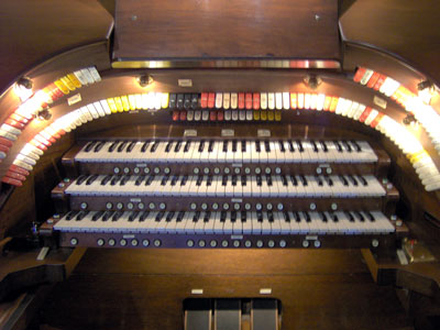 Click here to download a 2048 x 1536 JPG image showing the stop sweep of the 3/12 Robert Morton Theatre Pipe Organ.