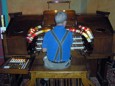 Click here to download a 2048 x 1536 JPG image showing Tom Hoehn at the console of the 3/12 Robert Morton Theatre Pipe Organ.