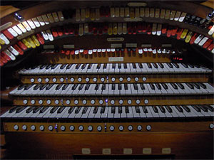 Click here to learn more about the 3/12 Mighty WurliTzer Theatre Pipe Organ installed at the Thomas Worthington High School in Columbus, Ohio.